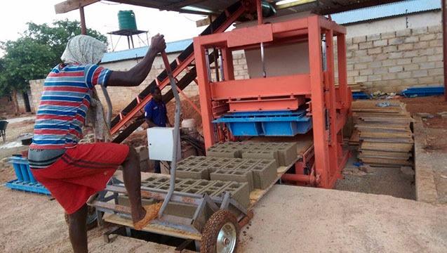 Gana – Parke Briket Makinası MG 10.1
